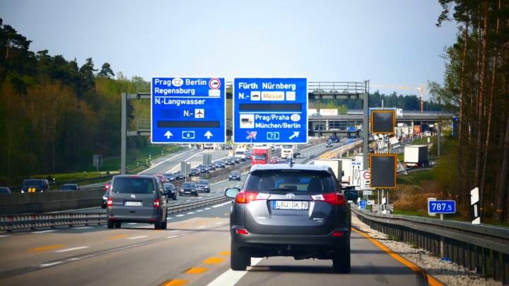 heavy-busy-traffic-jam-in-german-autobahn-motorway-expressway-freeway-highway-germany_e15ll8wve__F0000