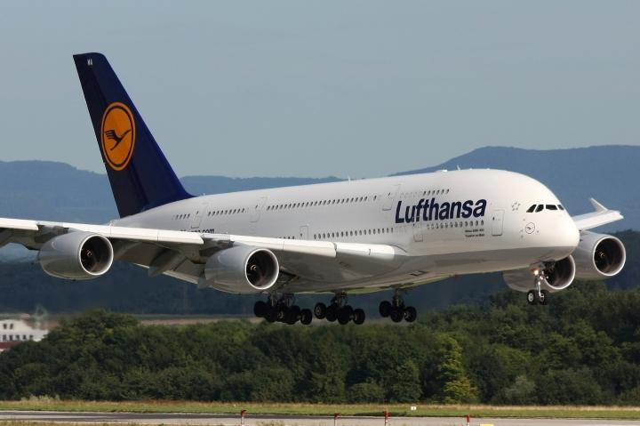 Lufthansa_A380_D-AIMA-1.jpg