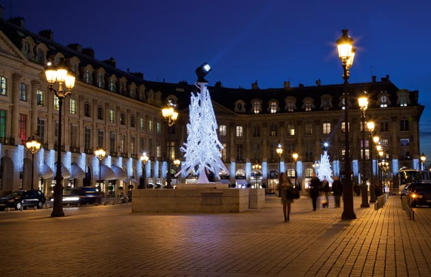 Place-Vendome-illumination-630x405-C-OTCP-Amelie-Dupont