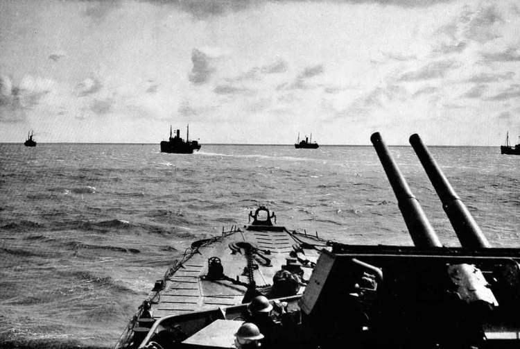 Royal-Navy-escort-convoy-WW2.jpg