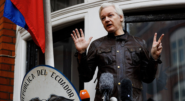 assange-embassy-london-1