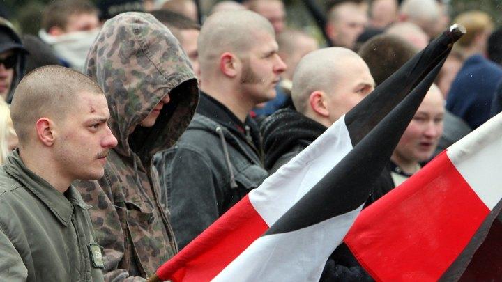 img-neonazis-100__v-gseagaleriexl
