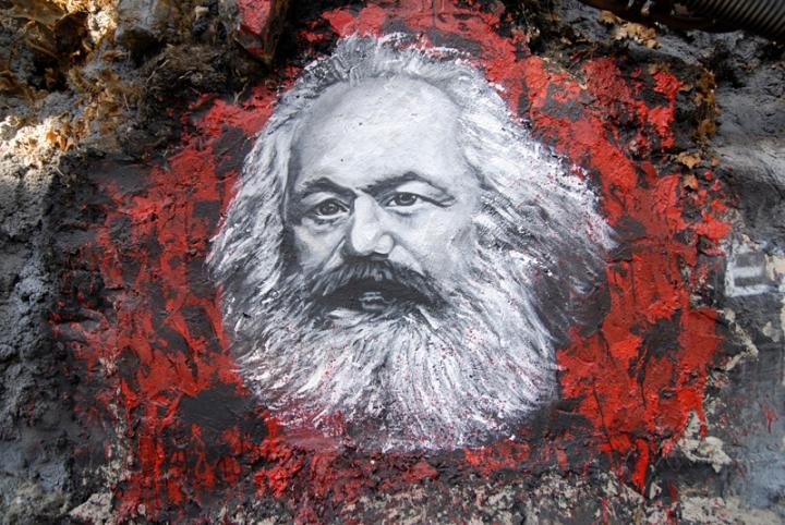 Karl_Marx_painted_portrait_DDC2787